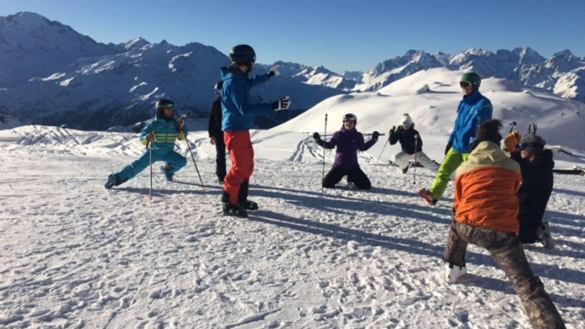 Instructors ski training in Verbier